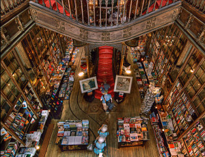 Lello Bookstore03